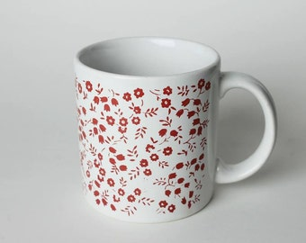 Vintage mug with Red Flowers