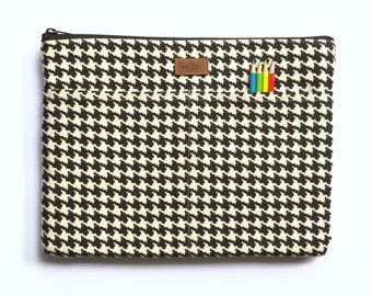 13 Inch Laptop Sleeve, MacBook Pro Sleeve 13, MacBook Sleeve 13, MacBook Cover, 13 Inch Macbook Pro Retina - Black Off White Houndstooth