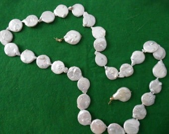 """28"""" Endless Pearl Necklace and Matching Earrings"""