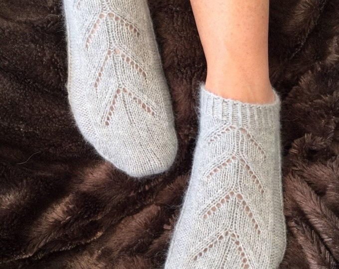 Ladies pure cashmere handmade footsie socks in pale grey to fit ladies shoe size European 37-39, UK 4-6, US 6-8