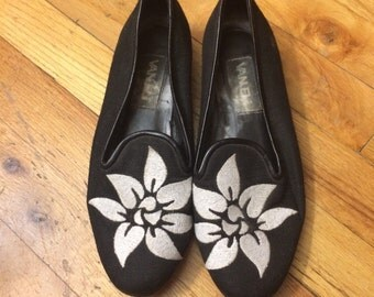 Black and White Tropical Flower Embroidered Loafers
