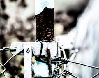 Photography, rusty fence post