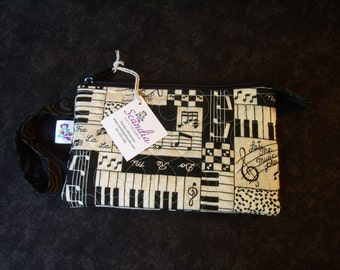 Quilted Notions Bag/Clutch Let the Music Play Print 1500301,302,302