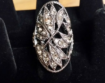 Marcasite style stretch ring