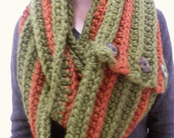 Chunky Ribbed Half-Double Crochet Two-in-One Scarf with Buttons / Ribbed Scarf / Infinity Scarf / Chunky scarf