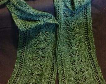 Many Leaves, Lace Green Scarf