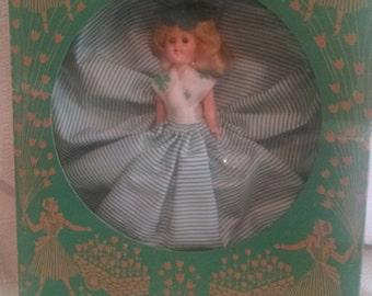 "VINTAGE SWEETIE DOLL ""Alice"" (green dress)"