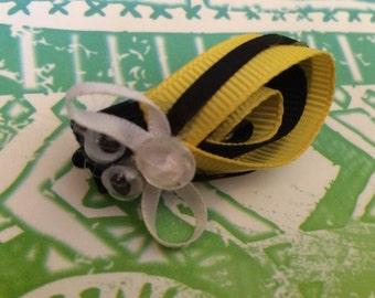 Bumble bee ribbon hair clip