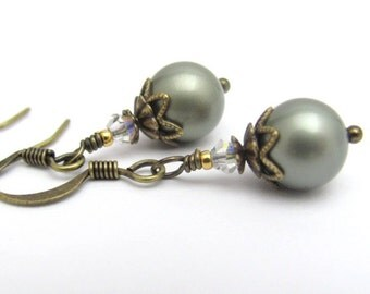 Green Pearl Earrings, Powder Green Drops, Sage Green Earrings, Swarovski Crystal Pearls, Bridal Jewelry, Bridesmaid Earrings, Hawaii Jewelry