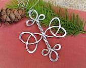 Celtic Trinity Knot Cross Ornament, Christmas Ornament Aluminum Wire , Celtic Holiday Ornament, Celtic Knot Home Decor Housewares Decoration