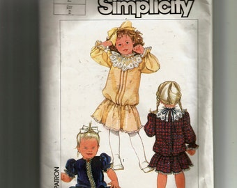 Simplicity Toddlers'  Dress Pattern 7200