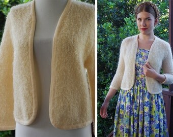 CREAM 1950's 60's Vintage Cream White Bouclé Knit Wool + Mohair Cardigan Sweater // size Small Med