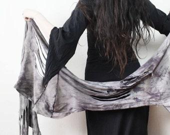 deconstructed fringe scarf // troll shawl