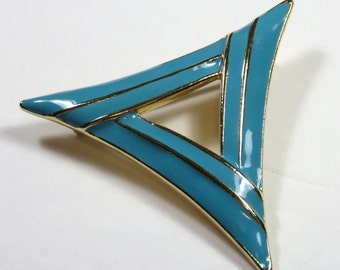 SJK VINTAGE -- Vendome Signed Turquoise Blue and Gold Modernist Geometric Triangle Enamel Brooch (1955-1970)