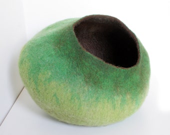 Cat Nap Cocoon / Cave / Bed / House / Vessel - Hand Felted Wool - Crisp Contemporary Design - READY TO SHIP Lime Bubble
