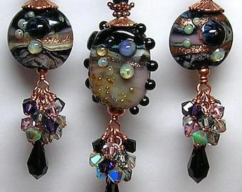 Handmade Lampwork Art Glass Earrings and Pendant Set by GLiTTeRBuG ORiGiNaLS SRAJD