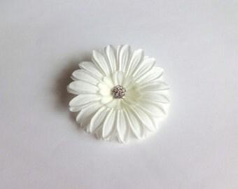 Bridal Ivory Daisy Hair Pin, Girl Hair Clip, Baby Snap Clip