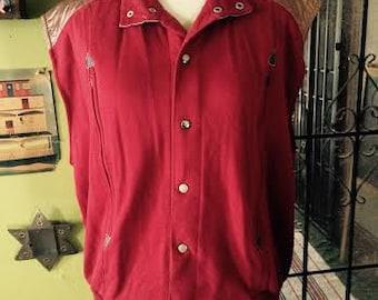 Vintage 1970's/1980's Burgundy and Gold snap button vest. size M/L