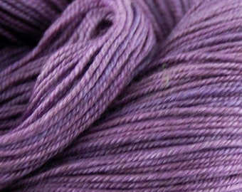 "MYS 622 Yarn ""PLUM "" -superwash merino,yak, silk yarn - 100 grams 400 yards"
