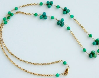 Emerald and chrysoprase single strand gold necklace