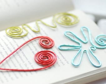 Set of 3 Wire Bookmarks, Fun Bookmarks, Colorful Bookmarks, Squiggle, Book Lover Gift, Teacher Gift, Metal Bookmarks, Librarian Gift