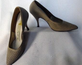 Vintage 50s High Heels shoes MCM Rockabilly Pinup Pumps Taupe Nanette Imperials Metal Heels