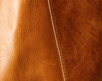 Premium Saddle - vegetable tanned leather - choose this leather for selected bags or purchase a swatch