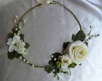 Floral Statement Necklace, Bridal Statement Necklace, Woodland Bridal Accessory, Ivory Flower Necklace, Boho Bridal Jewelry