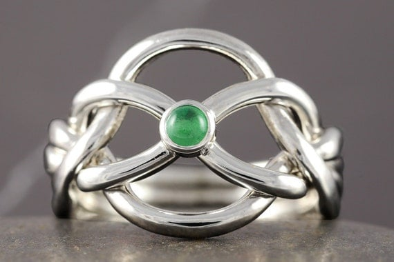Emerald puzzle ring in sterling silver - Handmade to your size