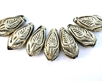 7 Ethnic style leaf shape metal beads silver color with black, vintage beads 27mmx14mmx6mm