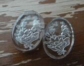 2 Vintage Intaglio Glass Wild Rose Cameos, 18x13mm (Gbin)