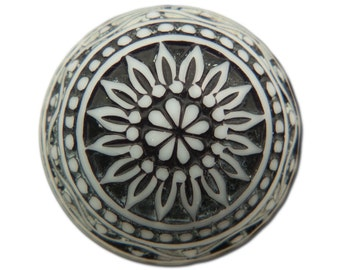 Vintage Etched Mosaic Black and White Cabochons 18mm (2) cab710E