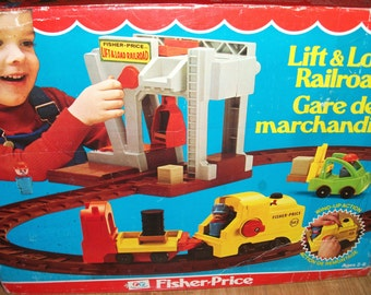 Vintage Fisher Price Lift and Load Railroad Playset Toy #942 Complete in box 1977