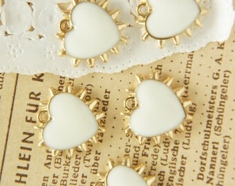 5 pcs Spiky Gold Heart Charm (17mm18mm) white  AZ106
