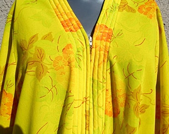 SALE Vintage Nylon 60s Travel Robe Sears Take a Long Chartreuse Floral