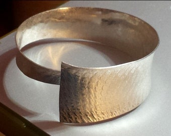 Snakeskin texture sterling silver anticlastic cuff bracelet - One of a kind