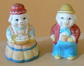 SALE Vintage Anthropomorphic SMILING PIG Couple Salt and Pepper Shakers Retro