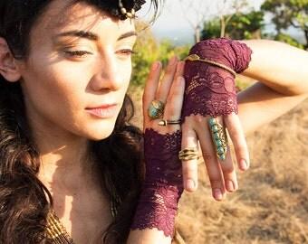 LACE CUFFS - Gloves Arm Wrist warmers - Hippie Bohemian Steampunk Boho Rock Lolita Burning Man Goa Witch Gypsy - Purple