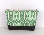 Emerald Green bag / Cosmetic Pouch / Personal Organizer / Summer Travel Bag
