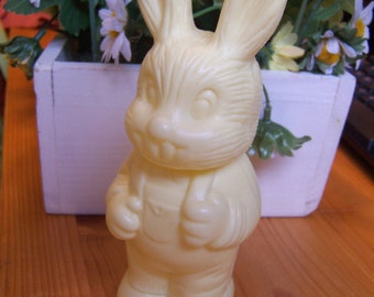 sweet plastic bunny container