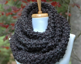 Chunky Knit Infinity Scarf, Gray Scarf, Circle Scarf, Knitted Scarf in Neutral Charcoal Grey, Men's Scarf, Women's Scarf, Winter Accessories
