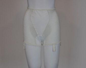 1950's panties /  Reel Em In In These Vintage 50's Fishnet Panties with Garters