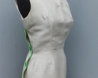 1950s/60s Sue Leslie of California Pure Silk Wiggle/Bombshell Dress / Silk Dress  SIZE 8