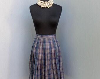 Vintage 1950s Plaid Skirt w/Metal Zipper by Dennis Portland Oregon / waist 24 inches