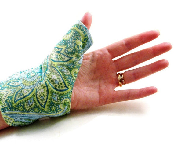 Thumb Help, Heat Pack Cold Wrap for Thumb Wrist, Texting Gaming Typing, Comfort Wrap, Personal Accessories for Her, Tech Lover Geekery Gift