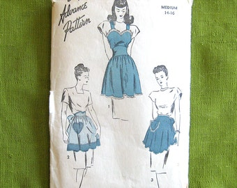 1940 Vintage Sewing Pattern - Pinafore Apron or Half Vendor Apron with Heart Pocket - Advance 4412 / Medium 14-16