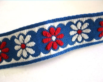 Vintage Embroidered Trim - Ribbon with Red and White DAISIES Swedish Danish - Sewing Supplies