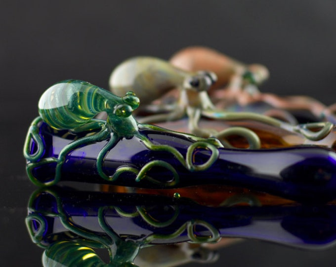 Octopus Glass Chillum / Bat Pipe / Octopus Glass Pipe / Glass Tobacco Pipe / Handmade Pyrex Pipe / American Made Glass / Made to Order