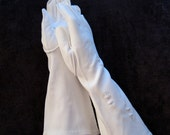 Vintage White Dress Gloves, Vintage Opera Gloves, White Gloves, Dress Gloves, Long Gloves, Wedding Gloves, Mad Men Style, 50's Style