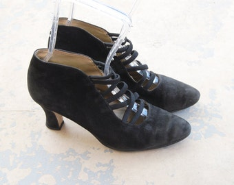 vintage 80s Ankle Boots - 1980s Victorian Styled Corset Front Leather Boots - Black Suede Ankle Booties Sz 8 8.5 39